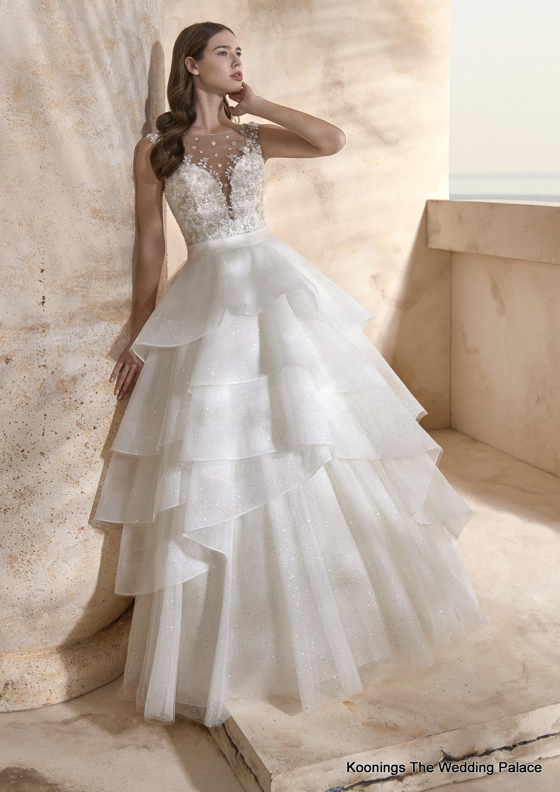 Le Papillon by Modeca Wedding Dress Helsinki#26492