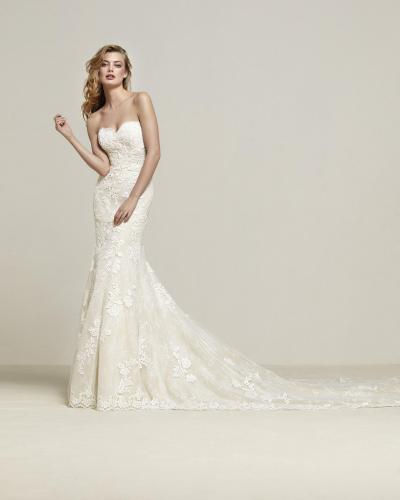 Pronovias Plus Wedding Dress Dresine Plus (niet leverbaar)#9797